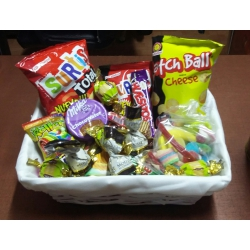 Cesta Snaks Chuches y chocolates